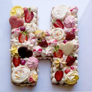 کیک حرف H
