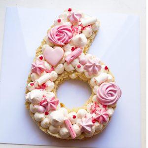 کیک عدد 6 انگلیسی