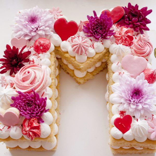 3 3 600x600 - کیک حرف M انگلیسی