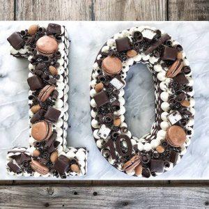 سابله کیک عدد 10 شکلات خامه ای