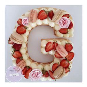 کیک سفارشی حرف G گل رز