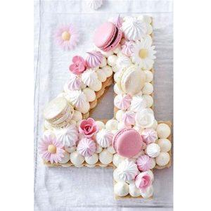 کیک و بیسکوکیک عدد 4 سفید صورتی