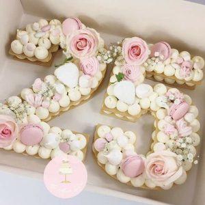 کیک سابله عدد 25 صورتی با گل