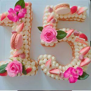 کیک سابله عدد 15 خامه ای صورتی
