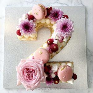کیک سابله عدد 2 با گل رز