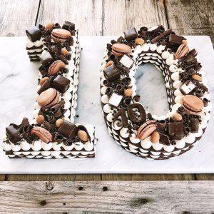 0 F 58 300x300 - سابله کیک عدد 10  شکلات خامه ای