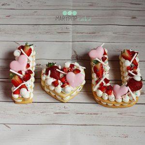 0 F 71 300x300 - کیک و بیسکوکیک حروف I LOVE U