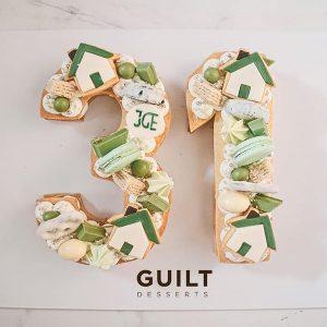 guiltdesserts 122 300x300 - بیسکوکیک  عدد 31 تم سبز و سفید