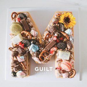 guiltdesserts 14 300x300 - بیسکوکیک  حرف M تم کاکائویی