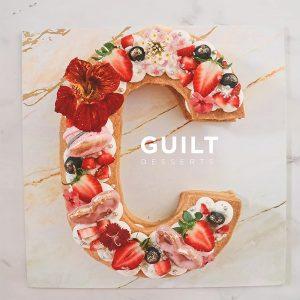 guiltdesserts 141 300x300 - بیسکوکیک  حرف c تم صورتی قرمز