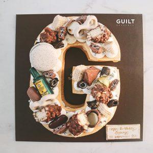 guiltdesserts 160 300x300 - بیسکوکیک  حرف G کرم قهوه ای