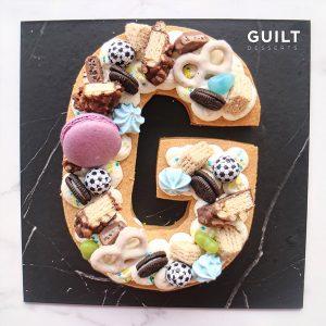 guiltdesserts 175 300x300 - بیسکوکیک  حرف G خامه ای