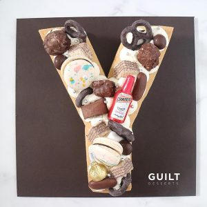 guiltdesserts 186 300x300 - بیسکوکیک  حرف Y تم شکلات ماکارون