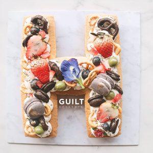 guiltdesserts 34 300x300 - بیسکوکیک  حرف H تم رنگی