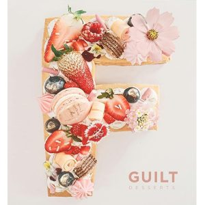 guiltdesserts 43 300x300 - بیسکوکیک  حرف F گل و توت فرنگی