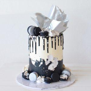 deliciousbysara 32 300x300 - سفارش کیک تولد خامه ای خاکستری ذغالی