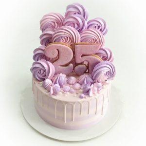 سفارش کیک تولد صورتی با مرنگ