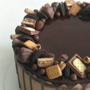 imfalji 69 300x300 - سفارش کیک تولد خامه شکلاتی