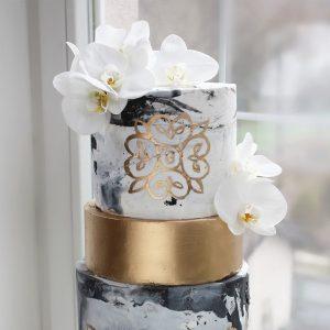 nivskaya 31 300x300 - سفارش کیک سه طبقه لاکچری طرح سنگ