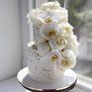 nivskaya 38 300x300 - سفارش کیک دو طبقه با گل تم سفید طلایی