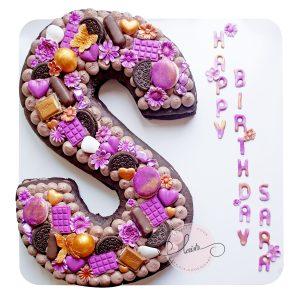 کیک تولد حرف S تم بنفش