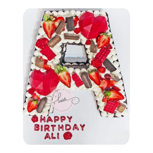 کیک تولد حرف A تم قرمز